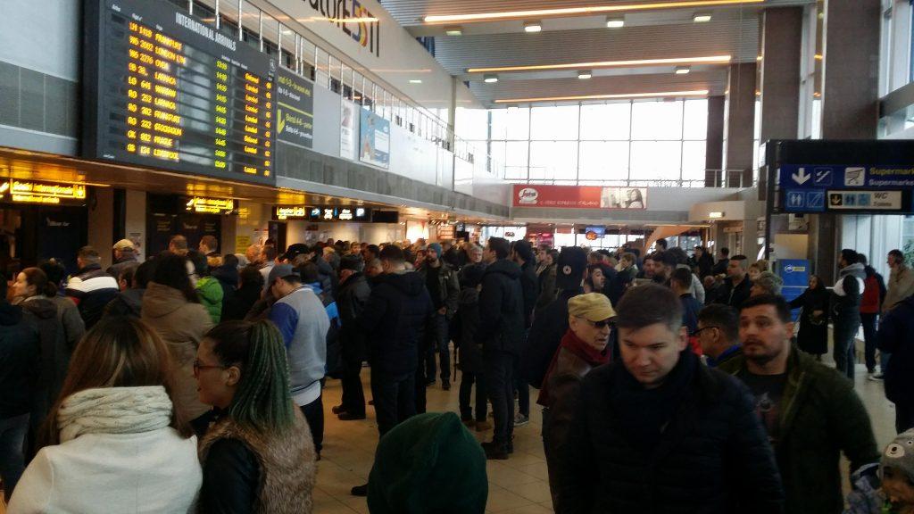 Vremea rea oprește pentru moment decolările de pe Aeroportul Internațional Otopeni
