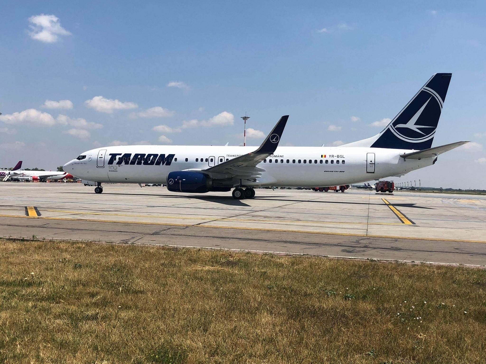 Cele două avioane de tip Boeing 737-800 de la Tarom au ajuns acasă