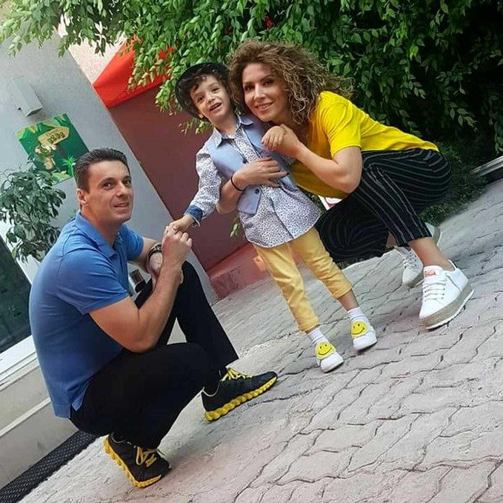 Mircea Badea sustin de sotia lui Carmen Bruma si familie in boala de care sufera